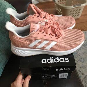 Adidas Ladies 8.5 Brand New Never Worn Duramo9